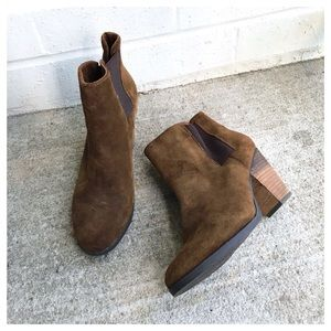 Vince Camuto Hessa Brown Suede Heeled Ankle Boots